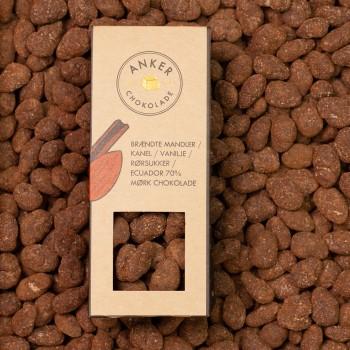 Brændte mandler / kanel / vanilje / rørsukker / Ecuador 70% mørk chokolade